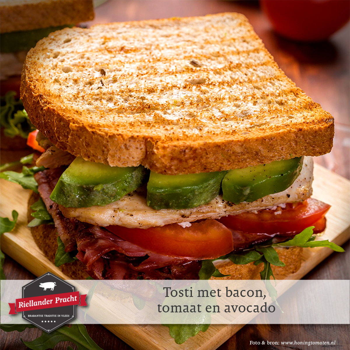 Lunch recept: tosti bacon, tomaat en avocado